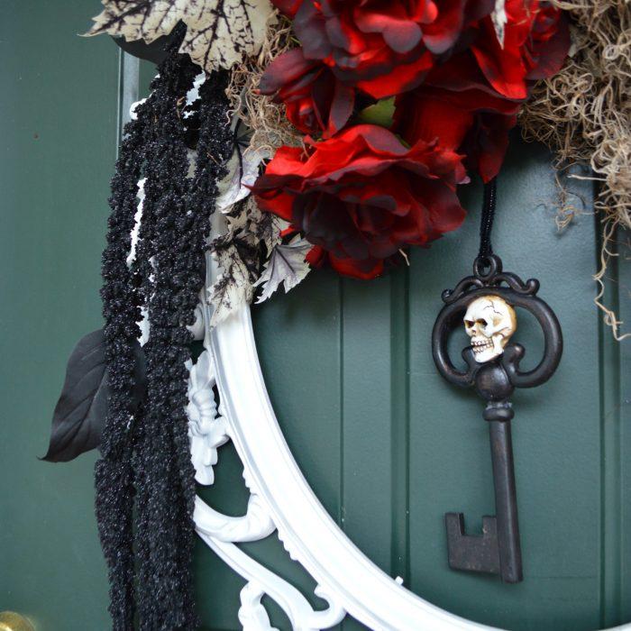 unique-diy-halloween-wreath