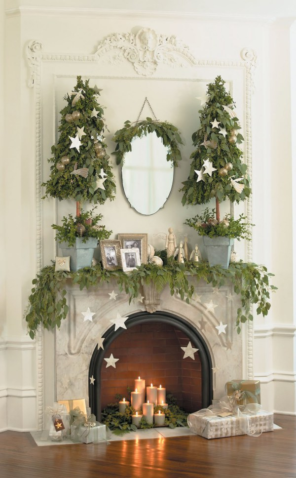 A Lovely Christmas Mantel