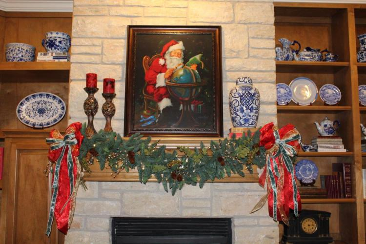 belle-bleu-interiors-french-country-christmas-mantel-9