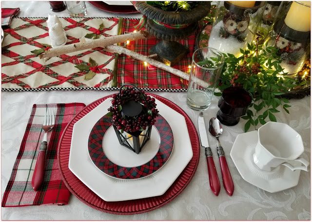 23 Amazing Christmas Tablescapes