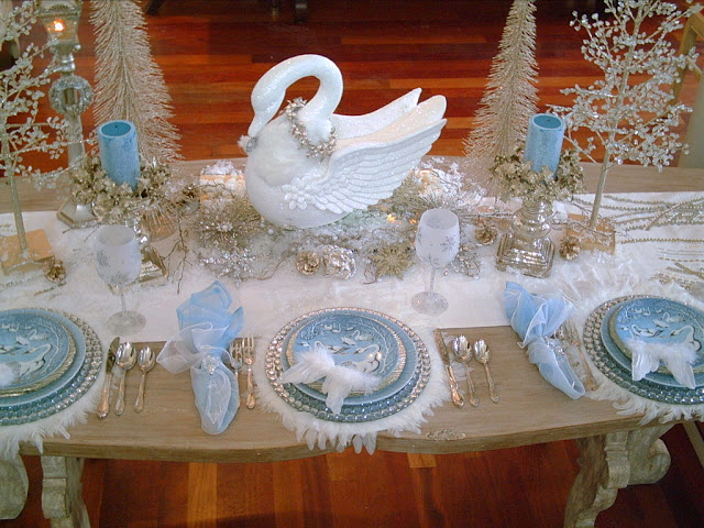 swan-tablescape-perfect