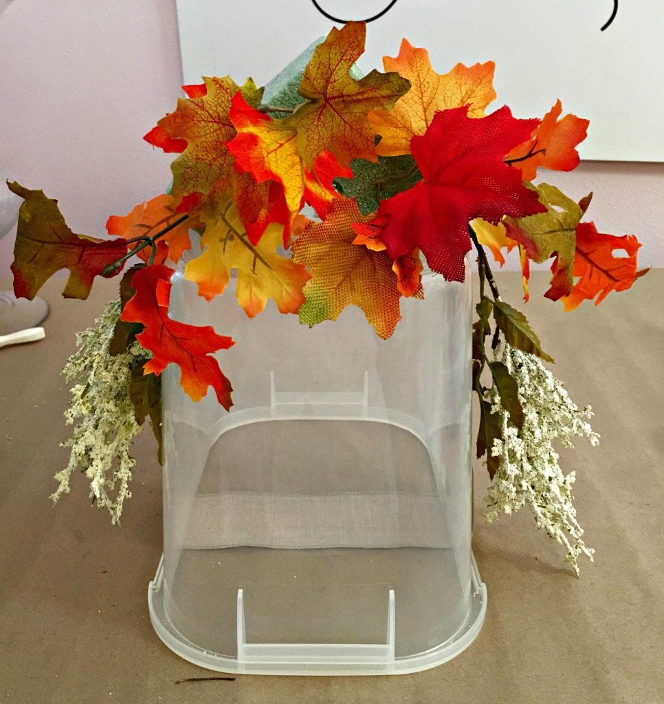Decorate Your Mailbox for Fall with this simple DIY