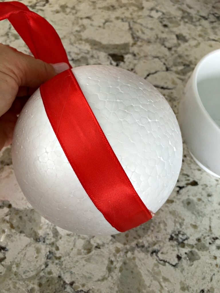 How to make a Christmas Kissing Ball