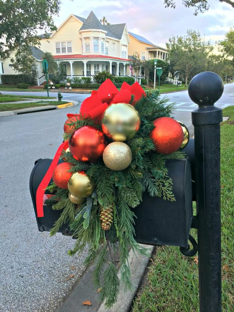 Decorate Your Mailbox for Christmas - Celebrate & Decorate