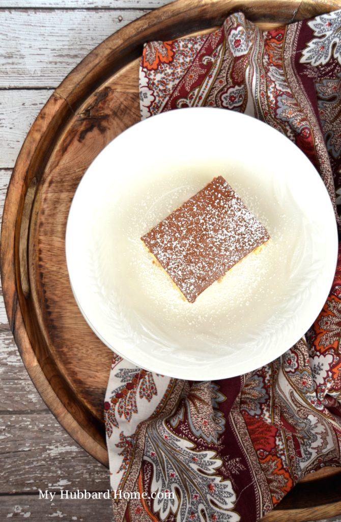 A pretty presentation of Eclair Icebox Cake
