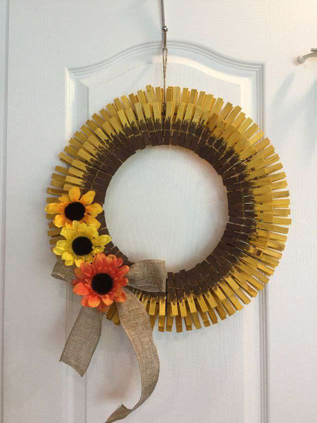 Clothespin wreath like a sunflower