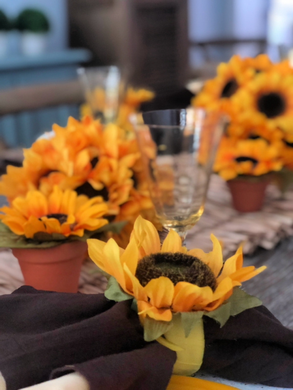 Sunflowers for styling a tablescape for late summer