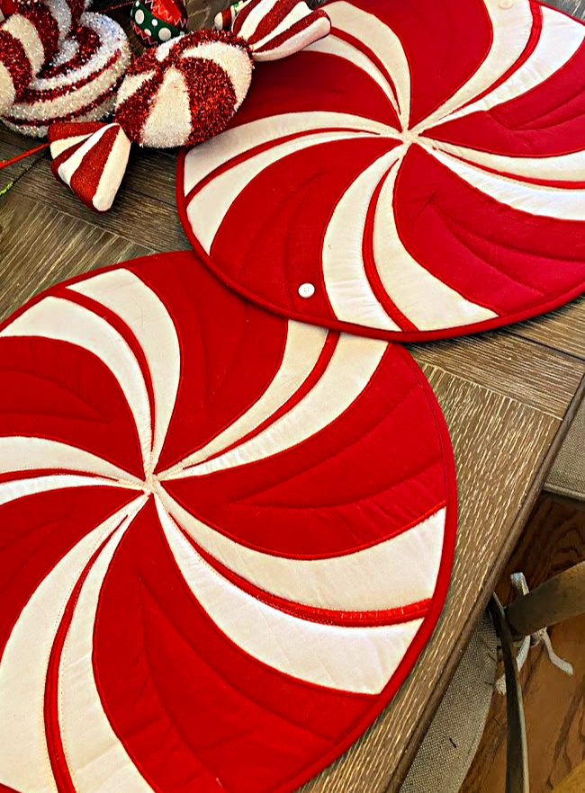 Peppermint placemats that can be buttoned together to make a peppermint table runner