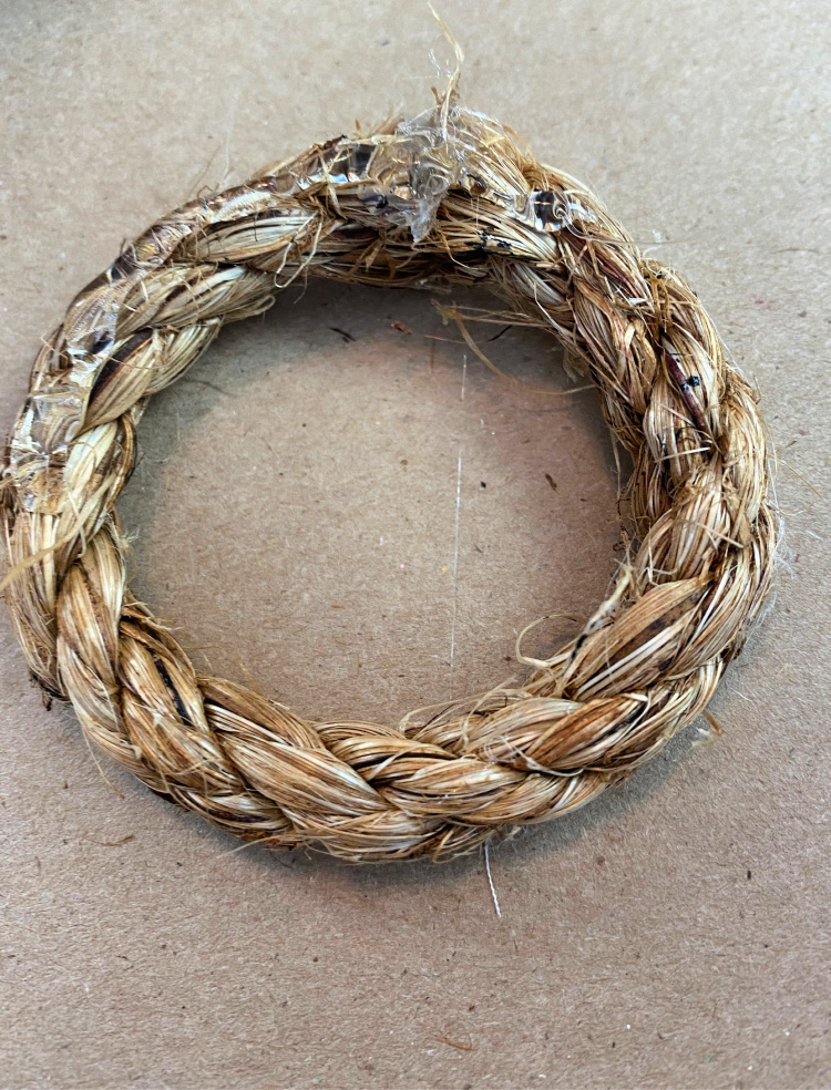 a piece of jute rope glued into a circle