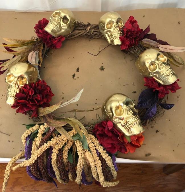 Wreath of gold skulls for halloween